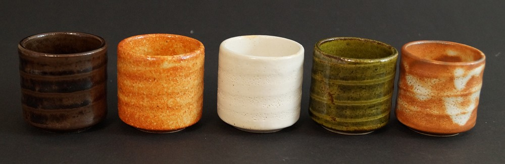 5er Set handgetöpferte japanische Sakeschalen (Guinomi) Seto Keramik