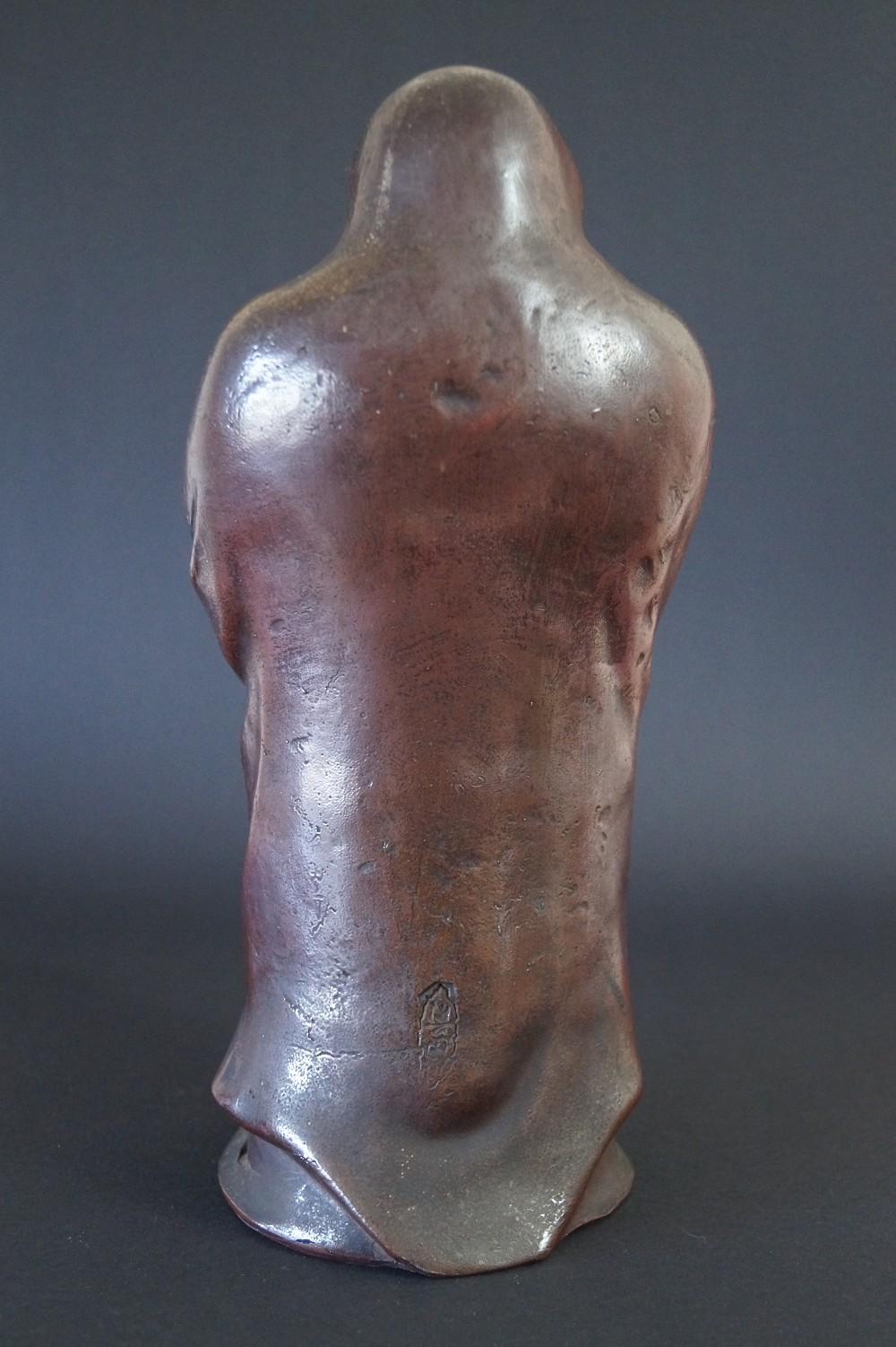 Japanische Bodhidharma (Daruma) Figur aus Bizen Keramik