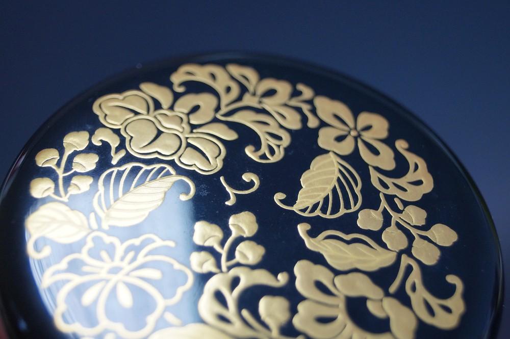 Makie O Natsume - Japanischer Teebehälter  für die Teezeremonie von Issai Saijo