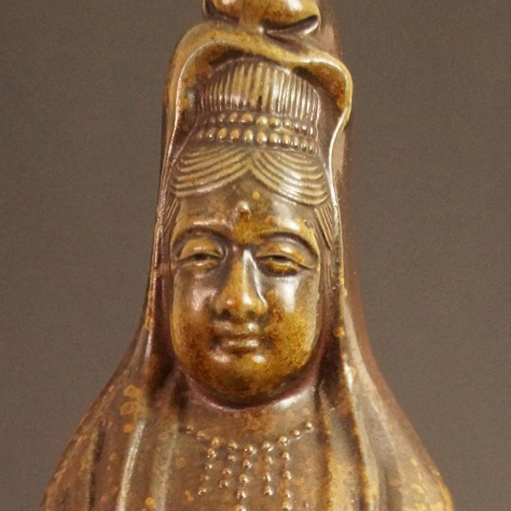 Japanische Kannon Figur aus Bizen-Keramik von Shibaoka Tsukuru