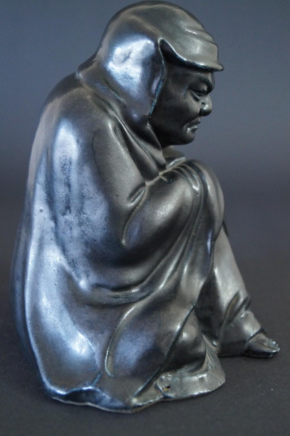 Japanische Bodhidharma (Daruma) Figur aus schwarzem Porzellan
