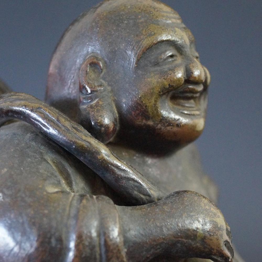 Japanische Hotei Figur aus Bizen Keramik