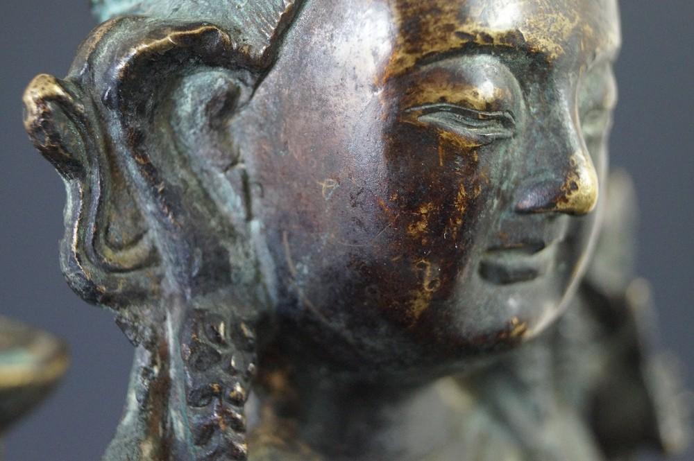 Chinesische Buddhafigur aus Bronze