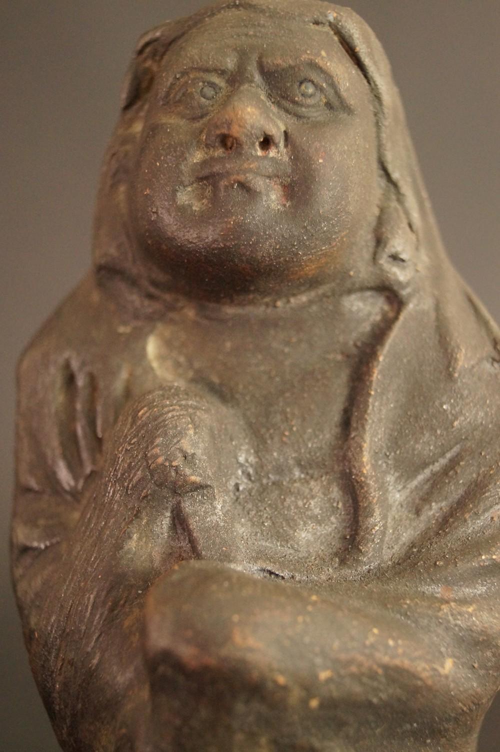 Japanische Bodhidharma (Daruma) Figur aus Keramik