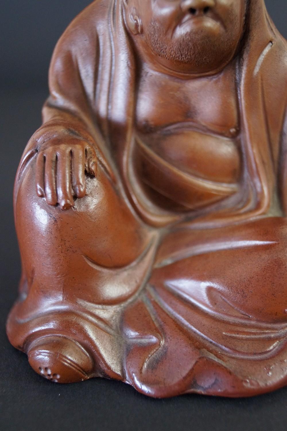 Japanische Bodhidharma Figur aus Bizen Keramik